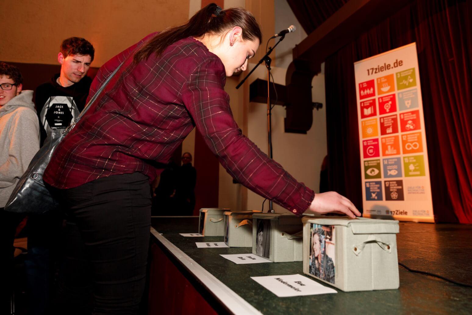 Poetry Slam Abstimmung beim Nachhaltigkeits-Slam #17Ziele