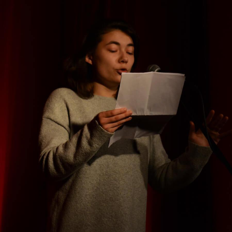 Poetry Slammerin Alina Sprenger (Kiezpoeten-Pool)