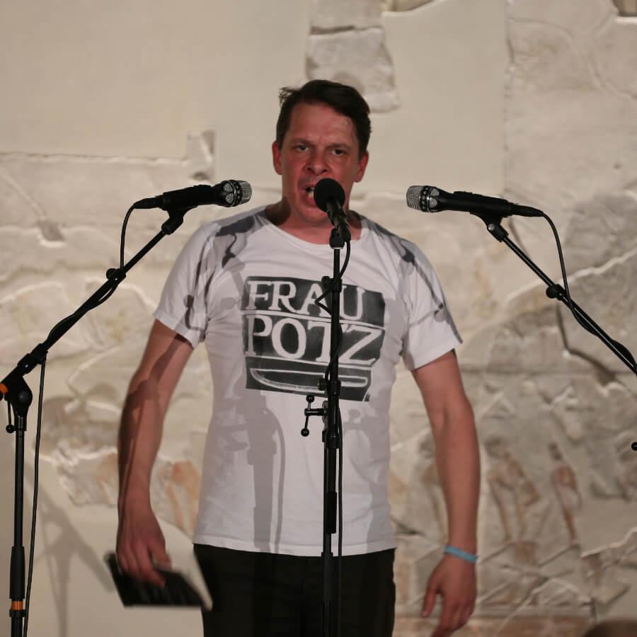 Poetry Slammer Lasse Samström (Kiezpoeten-Pool)